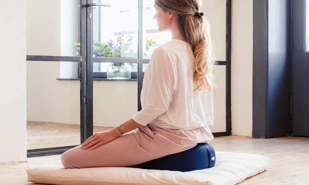 como meditar en zafu